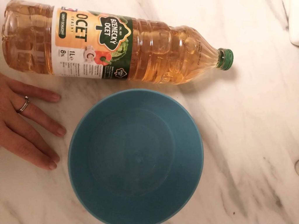 Vymytí nádobí octem