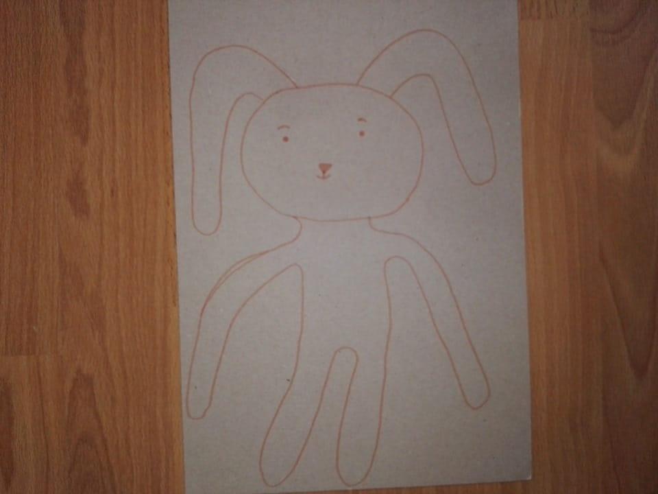 nákres zajíčka na papír